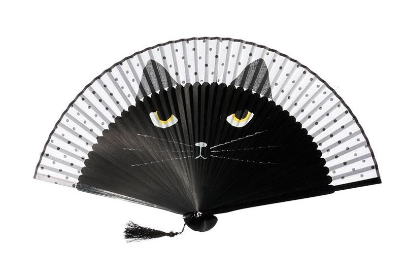 Zadarmo čierna mačička Foto